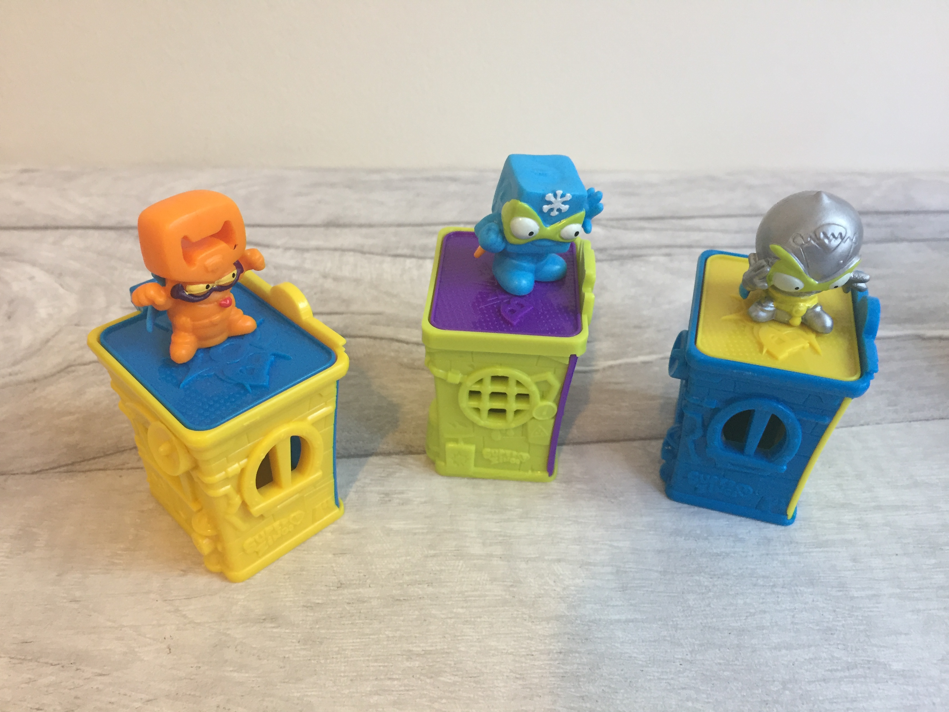SuperZingsRivals of Kaboom Series 1 hideouts heroes and Villains