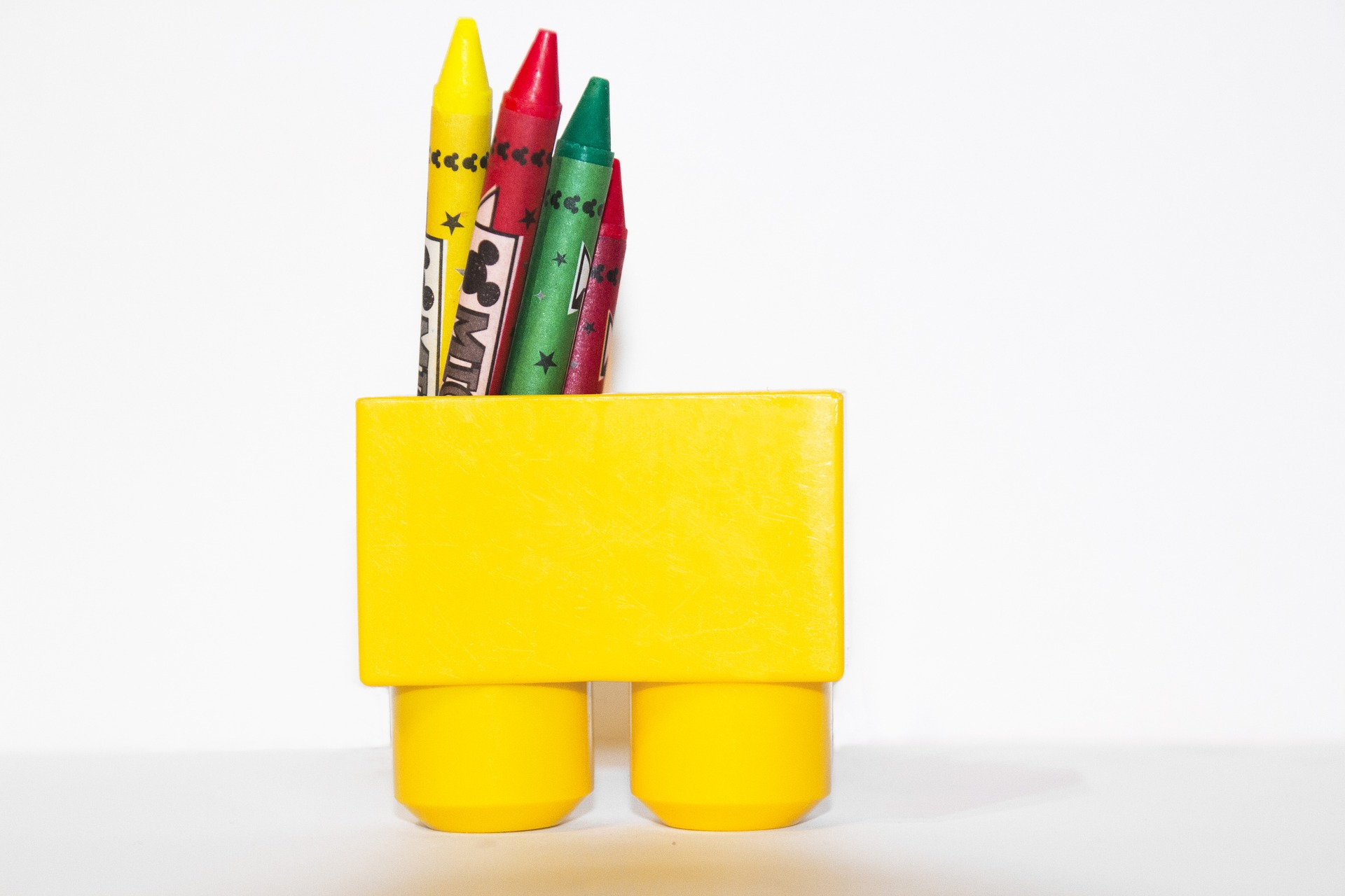 non chocolate gift ideas this easter for children kids crayons