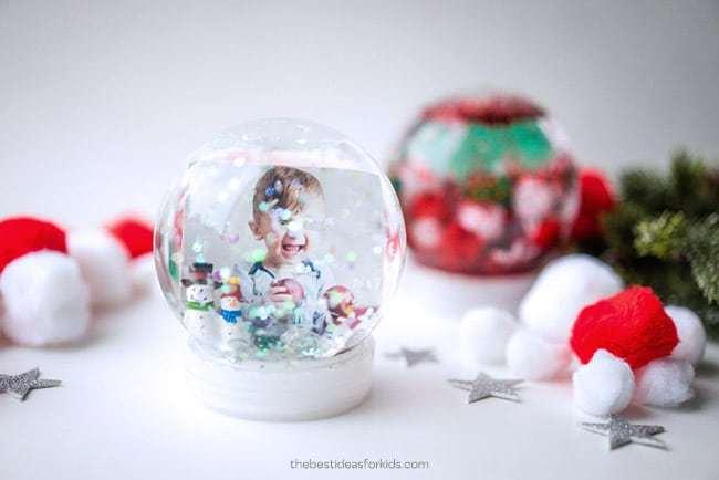 DIY Snow globe - Christmas activity to make with kids
